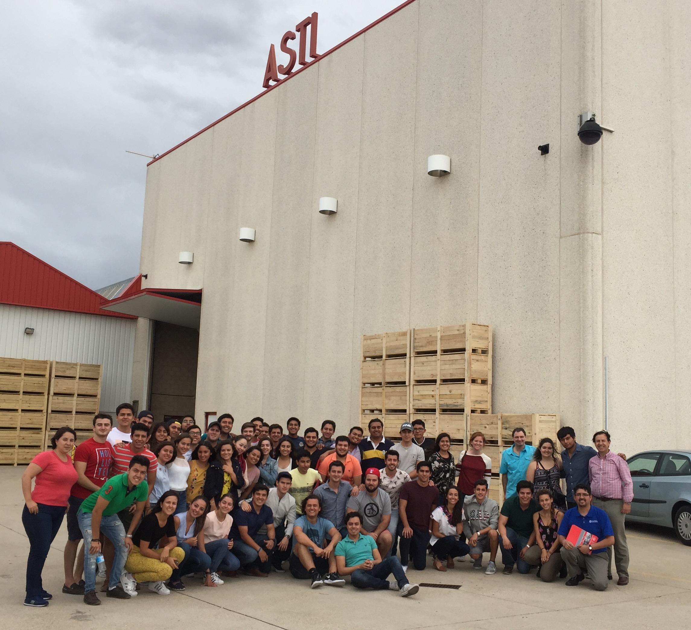 Alumnos del TEC de Monterrey (México) visitan ASTI
