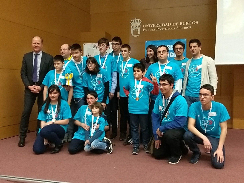 ASTI AquaBots de Autismo Burgos, premio Grupo Antolín al Comportamiento del Robot en FLL Burgos