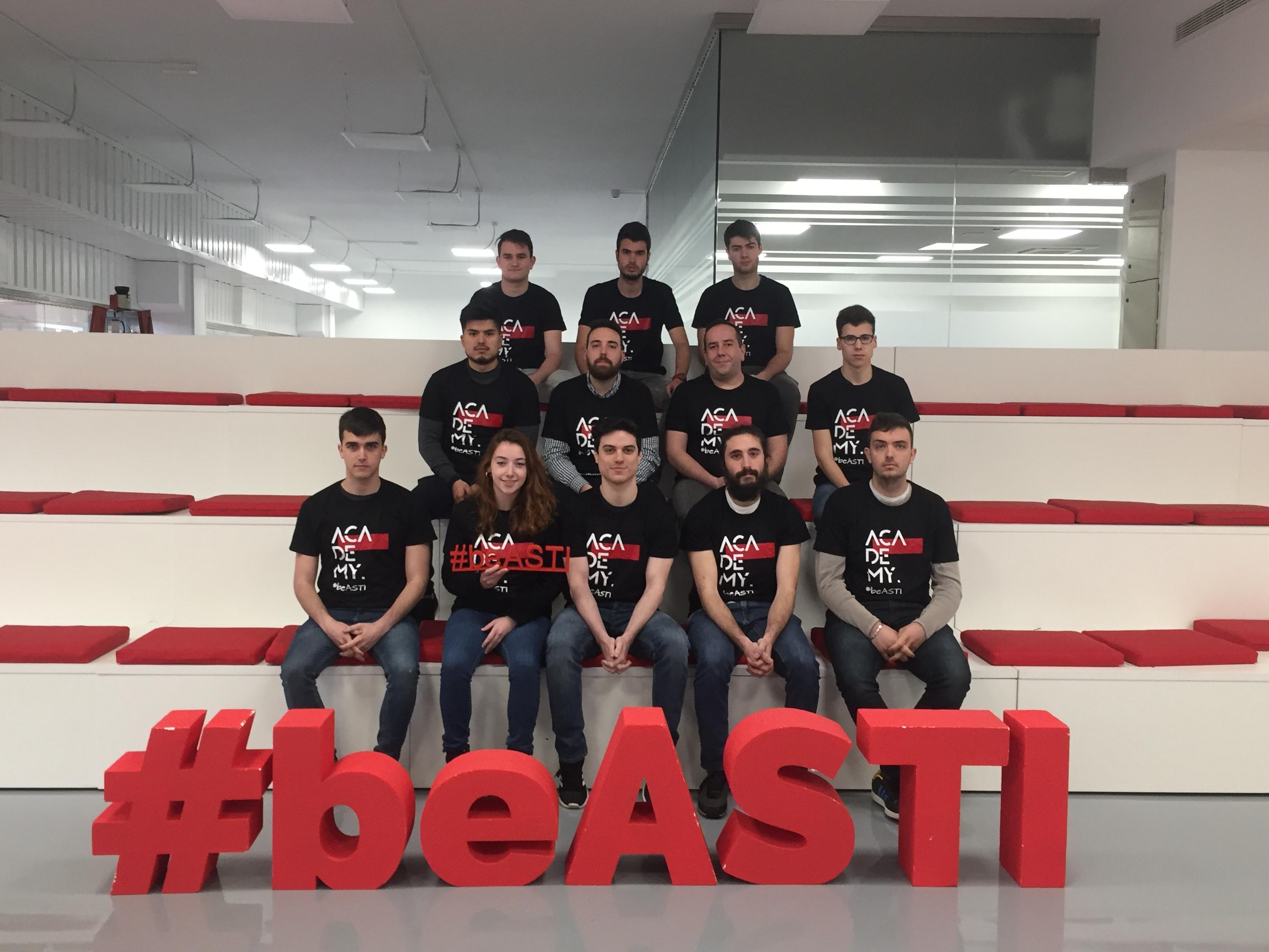 12 alumnos de grados superiores de FP se incorporan a  ASTI TechGroup gracias al programa ASTI Academy