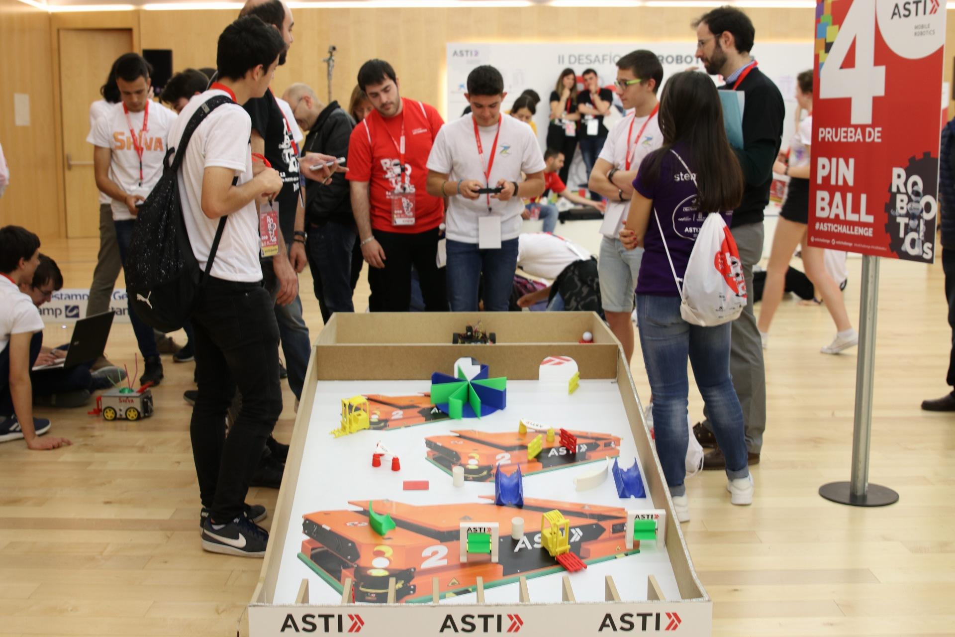 El II Desafío ASTI Robotics reúne a más de 1.800 personas en el Museo de la Evolución Humana