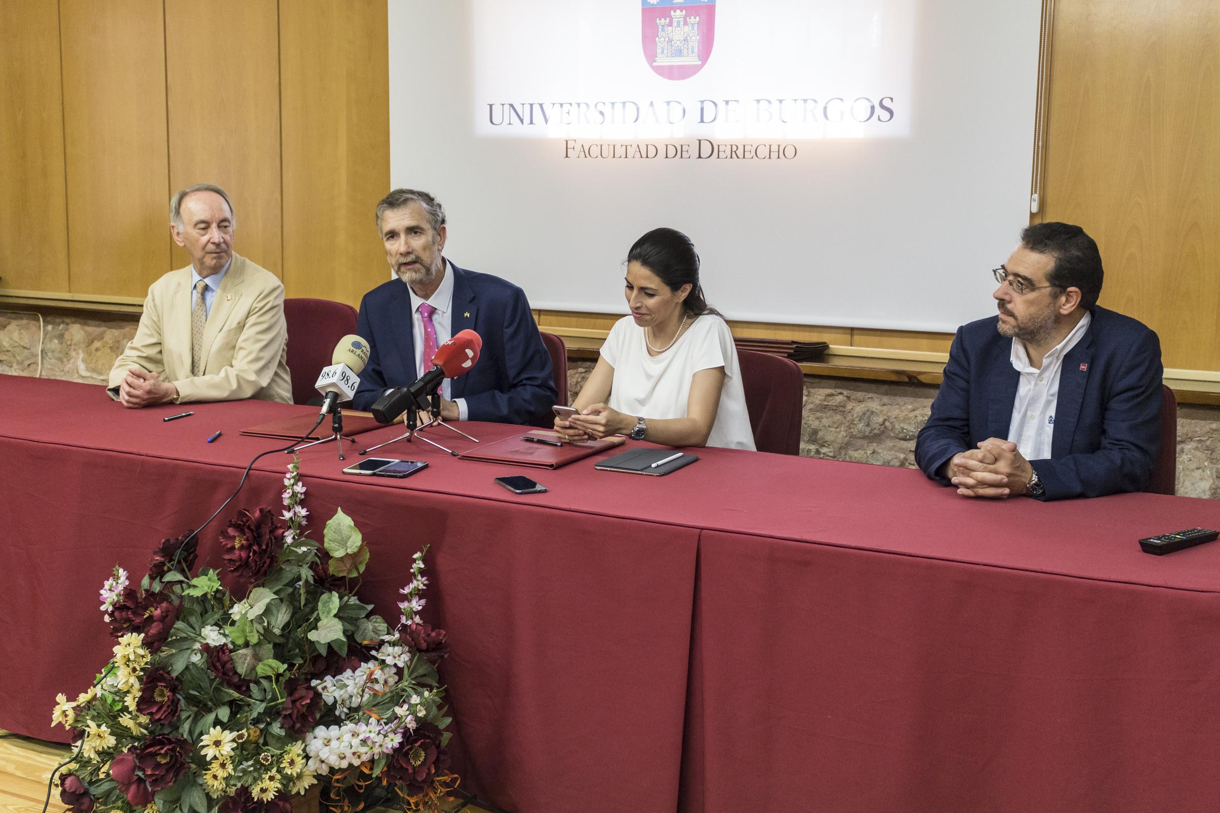 ASTI y las universidades de Burgos, Valladolid y León imparten un nuevo título propio en Industria 4.0 y Robótica Móvil