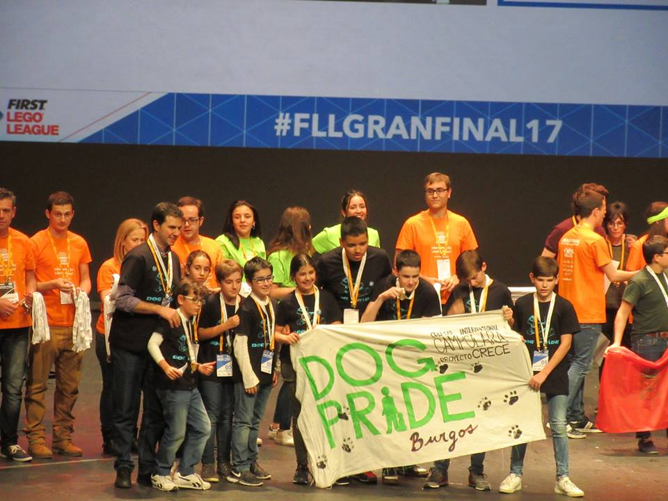 """""""DOG PRIDE"""" DEJA EL LISTÓN MUY ALTO EN LA GRAN FINAL FIRST LEGO LEAGUE 2017"""